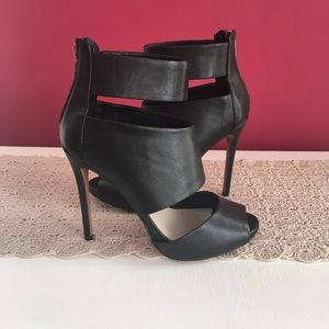 Aldo strappy heels 🔥